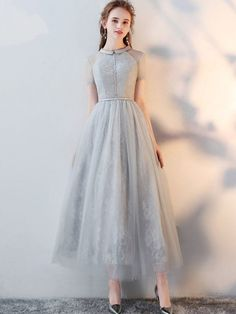 Gray Lace Turn-down Collar Short Sleeves Tulle A-Line Dresse, Shop plus-sized prom dresses for curvy figures and plus-size party dresses. Ball gowns for prom in plus sizes and short plus-sized prom dresses for Dresses Elegant, Lace Evening Dresses, Pretty Dresses, Beautiful Dresses, Romantic Dresses, Vintage Style Dresses, Dress Vintage, Simple Dresses, Tulle Prom Dress