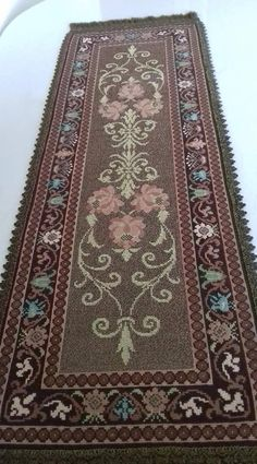 Cross Stitch Embroidery, Cross Stitch Patterns, Crochet Patterns, Tablecloths, Table Linens, Embroidery Designs, Bohemian Rug, Salons, Diy Crafts
