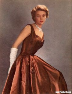 <<>> Jean Patchett Vogue 1948