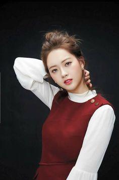 Go Ara (고아라) - Picture @ HanCinema :: The Korean Movie and Drama Database Korean Beauty Tips, Asian Beauty, Beauty Full, Very Good Girls, Cute Girls, Nice Girl, Korean Actresses, Korean Actors, Asian Woman