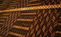 Tukutuku. Willow Weaving, Basket Weaving, Maori Patterns, Maori Designs, Bamboo Art, Maori Art, Indigenous Art, Amazing Architecture, Art Inspo