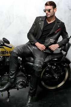 LeatherHOG: Фото