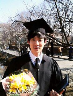 유연석 대학교 졸업사진