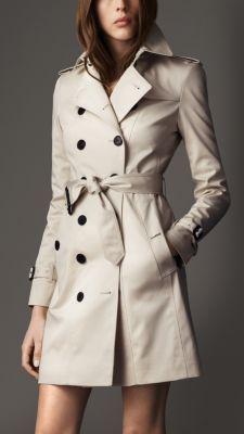 Langer, körperbetonter Trenchcoat aus Stretchbaumwolle