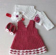 Kalın askılı tığ işi bebek elbise modeli