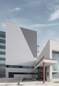 University building Antwerp, Belgium. EQUITONE facade materials. equitone.com