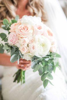 White Peonies Bouquet, Peony Bouquet Wedding, Bridal Bouquet Pink, White Wedding Bouquets, Bridal Flowers, Blush Pink Wedding Flowers, Blush Peonies, Purple Bouquets, Flower Bouquets