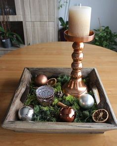 #christmas #centerpiece #handmade #personalizable #wood #christmasball #candle #candleholder #cinnamon #orange #pinecone #moos Centerpieces, Table Decorations, Pinecone, Christmas Balls, Cinnamon, Candle Holders, Candles, Orange, Wood