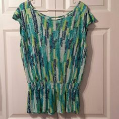 SUPER CUTE Top Super soft, stretchy cap sleeve gathered waist w/ elastic, peplem style. Light weight and sexy open split back for a little peek a boo. Great colors perfect for Spring and Summer. EUC,like new! Route 66 Tops Blouses