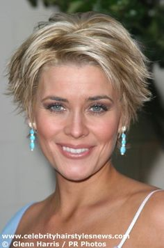 McKenzie Westmore has a heavily zigzagged part. Her hair has been clipped up in the back, for as little care as possible. The total call for short layers has been a win win situation for McKenzie, as the whole cut brings a photogenic frame for her lovely oval face. The shortest area is in the nap of her back and the longest area is in the top of her head and the very top of her sides. Consider this hairstyle fashioned into the form of a triangle. This