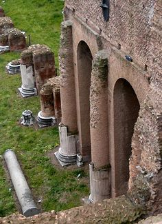 Siena, Italy architecture | Palatine - Rome - Italy (1st century B.C.)