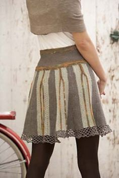 How To Make Upcycled Clothing | upcycled men's tshirt into fancy layered skirt