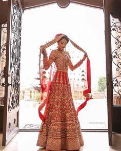 Super Ideas For Wedding Indian Outfit Lehenga Choli Colour Indian Bridal Outfits, Indian Bridal Wear, Asian Bridal, Indian Dresses, Indian Wear, Bridal Dresses, Lehenga Wedding Bridal, Wedding Lenghas, Bridal Lehenga Choli