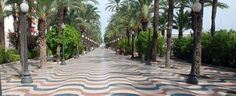 Alicante, Spain: Paseo de La Explanada avenue