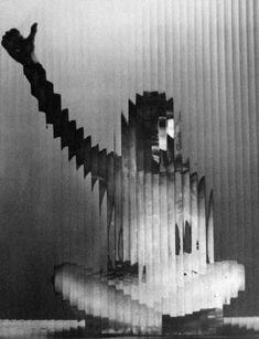 Erwin BLUMENFELD :: Lisette behind glass, 1944  #distortion