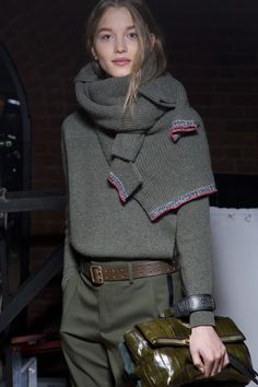 Outfit Ideas Zadig & Voltaire Fall 2019 Fashion Show Back. - Outfit Ideas Zadig & Voltaire Fall 2019 Fashion Show Backstage Knit Fashion, Look Fashion, Fashion Show, Cheap Fashion, Trendy Fashion, Fashion Hair, 80s Fashion, Fashion Mode, Daily Fashion