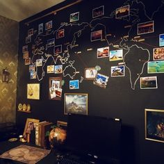 黒板に世界地図を描いて、旅行先の写真を貼ると訪れた場所が一目でわかります。楽しい旅の思い出に、いつでも浸れますね。