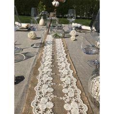 Chemin de table en Jute et Dentelle -  Lucy Jeanne Collection - Décoration de Mariage
