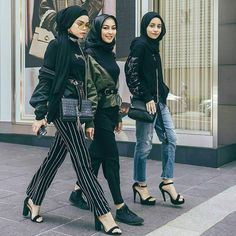 Friendship Goal Hijab Style Ideas Every Fashion Girls Need To Try Street Hijab Fashion, Muslim Fashion, Modest Fashion, Dress Fashion, Casual Hijab Outfit, Hijab Chic, Muslim Girls, Muslim Women, Look Fashion
