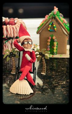 Elf on the Shelf takes a break and dreams about a beach vacation
