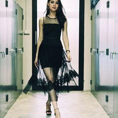 มีความสตรอง #เภตราภาวดี #เล่ห์ลับสลับร่าง #ch33hd Cute Girl Face, Cool Girl, Asian Woman, Asian Girl, Lil Black Dress, Thai Model, Young Fashion, Famous Women, Women's Fashion Dresses