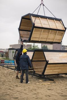 Image 3 of 5 from gallery of B-AND-BEE Introduces Honeycomb Campsites for Festivals. Photograph by Hannes Geipel Ideas Cabaña, Bamboo House Design, Modular Housing, Tiny House Cabin, Geodesic Dome, Prefab Homes, Popup, Campsite, Building