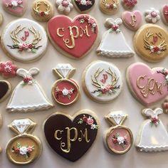 rustic antler dusty rose, brown, and gold bridal shower cookies 1 Cocoa Cookies, Mini Cookies, Sugar Cookies, Cookies Et Biscuits, Fancy Cookies, Iced Cookies, Rustic Wedding Showers, Gold Bridal Showers, Bridal Shower Rustic