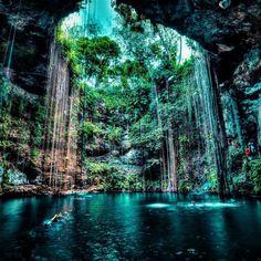 The amazing Cenote of Ik Kil near Merida....
