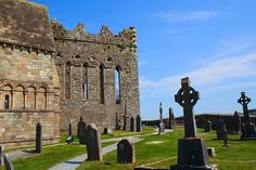 Choir End of St Patrick's Cathedral, Rock of Cashel. Image by John Menard / CC BY-SA 2.0