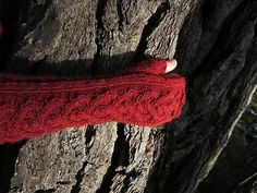 Strong Heart by Wei S. Leong - free knitting pattern for cabled fingerless gloves using Zealana Rimu DK or Stansborough Mythral