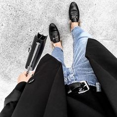 denim jeans and gucci loafers Look Fashion, Winter Fashion, Fashion Outfits, Womens Fashion, Fashion Mode, Minimal Outfit, Minimal Fashion, Style Blazer, Look T Shirt