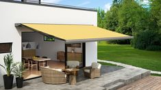 The range of folding arm awnings from Shadewell provide sun and weather protection for patios, terraces, balconies, cafés, restaurants and more. Pergola Plans, Diy Pergola, Balcony Shade, Bar Model, Led Spots, Outdoor Spaces, Outdoor Decor, Blinds For Windows, Outdoor Entertaining
