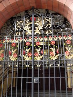 https://flic.kr/p/6Q71sN | Wrought Iron Gates - The Bell Edison Telephone Building (17 & 19 Newhall Street) - Associated Architects and Phoenix Beard | 17 & 19 Newhall Street is a red brick and terracotta building on the corner of Newhall Street and Edmund Street in the city centre of Birmingham. It is Grade I listed.  It originally had the address 19 Newhall Street, it was built as the new Central Telephone Exchange and offices for the National Telephone Company. It is popularly known a...