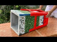 Configuración - YouTube Ceramic Tile Crafts, Concrete Crafts, Concrete Planters, Cement Work, Cement Flower Pots, Plastic Chairs, Plant Decor, Diy Projects, Ceramics