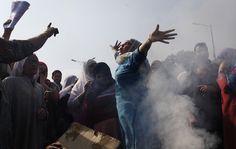 La protesta di un gruppo di donne musulmane del Kashmir a Srinagar, in India, contro l'aumento del costo dell'elettricità. (Dar Yasin, Ap/Lapresse)