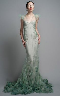 gorgeous gowns Shop Zac Posen Celadon Evening Gown at Moda Operandi Look Fashion, High Fashion, Runway Fashion, Fashion Design, Dress Fashion, Zac Posen, Beautiful Gowns, Beautiful Outfits, Stunningly Beautiful