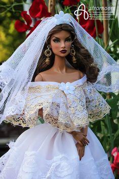 Barbie Bridal, Barbie Wedding, Diy Barbie Clothes, Doll Clothes, Pretty Dolls, Beautiful Dolls, Bridal Gowns, Wedding Gowns, Bride Dolls