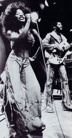 CHAKA KHAN performing with RUFUS...