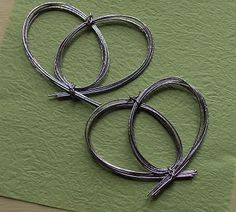 """How To Make a Mizuhiki Heart Knot  USE grape vines to try this, then """"dreamcatcher"""" it"""