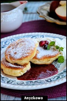 Anyżkowo: Fluffy pancakes without yeast Fruit Recipes, Sweet Recipes, Baking Recipes, Dessert Recipes, Desserts, Breakfast Dishes, Breakfast Recipes, Polish Recipes, Special Recipes