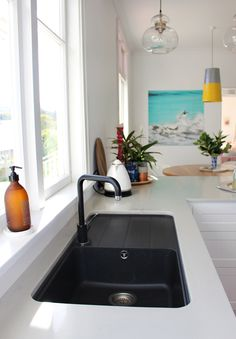 This White sink black counter unorthodox what i love countertop best 25 kitchen sinks ideas on taps photos and General about 37 of white sink black counter grounbreaking gallery with White countertops with black sink countertop White counter New Kitchen Cabinets, Kitchen Taps, Kitchen Redo, Kitchen Remodel, Black Kitchen Sinks, Stone Benchtop Kitchen, Black Kitchens, Home Kitchens, Black Sink