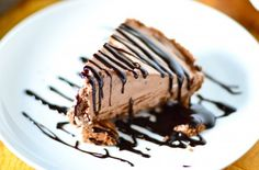 Nutella Pie... can't decide if I want to make this one or the one with ...
