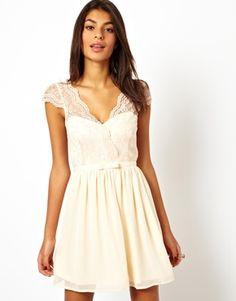 Cream lace V cut back dress