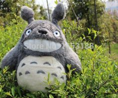 """pas cher, Achetez directement de China Suppliers:     MY NEIGHBOR TOTORO STUDIO GHIBLI 11"""" 28CM GRIN TOTORO SOFT PLUSH DOLL NEW TOY 1pc Free Shipping   Super Quality!!! Love Totoro, plsget it home ~~~   Size: 28cm   There are two kinds of"""