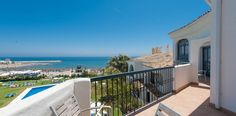 4 BEDROOM APARTMENT (Sleeps 8 persons) This penthouse is like your own hotel suite on the beach. Stunning beach front penthouse on one floor with 4 air
