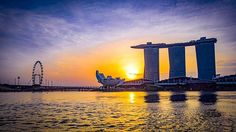 Good Morning Singapore! Woke up early and walked around the merlion park #goodmorning #marinabaydsands #sunrise #travel #travelgram #nofilters #sun #nature #cityscape #city #awesome #asia #merlion