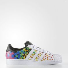 Adidas Original Pride Pack Superstar sneaker made with leather, these shell-toe sneakers. Adidas Sport, Adidas Men, Adidas Sneakers, Adidas Superstar, Adidas Originals, Sneaker Plug, Superstars Shoes, Painted Shoes, Casual Chic Style