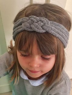 Gray knit headband for the most beautiful effect! Head accessory very . Spool Knitting, Knitting For Kids, Head Accessories, Knitting Accessories, Knitted Headband, Knitted Hats, How To Make Headbands, Finger Knitting, Crochet Yarn