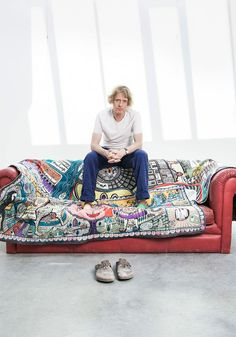 Grayson Perry turns his attention to portraiture in order to explore the nuances of British identity. Grayson Perry Art, Grayson Perry Tapestry, Illustrator, Textiles, National Portrait Gallery, Arts And Crafts Movement, Textile Artists, Contemporary Artists, Photography