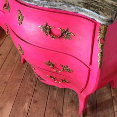 Chalk Paint makeover, using custom mix of Emperors Silk and Pure. Completed with Annie Sloan Craqueleur and Dark Wax